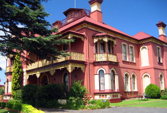 The historic Stannum House is one of the most stylish bed & breakfasts in Tenterfield
