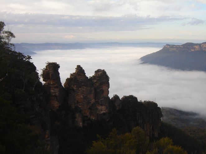 yha katoomba, three sisters, echo point, cheap accommodation, blue mountains