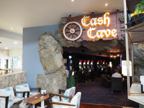 Cash Cave, Beachmere Hotel