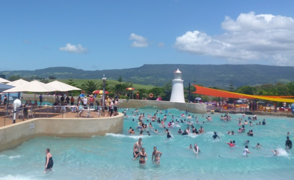 jamberoo action park outback bay wave pool