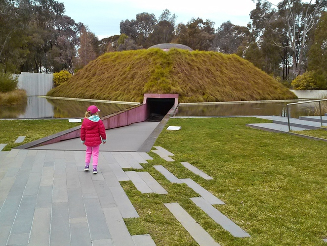 james turrell, within without 2010, skyspace, canberra, ACT, things to do with kids, family friendly, toddlers, preschoolers, museums, galleries,