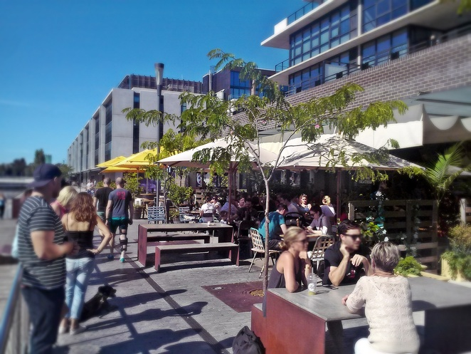 kingston foreshore, canberra, outdoor dining, ACT, summer, spring, kingston, local press, cafes, restaurants, gastropubs, views, water views, best cafes in canberra, cafes with views of lake burley griffin,