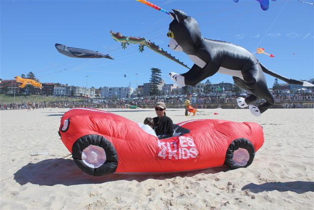 kite flying, bondi beach, festival of the winds, fun with kids, family fun, family day entertainement