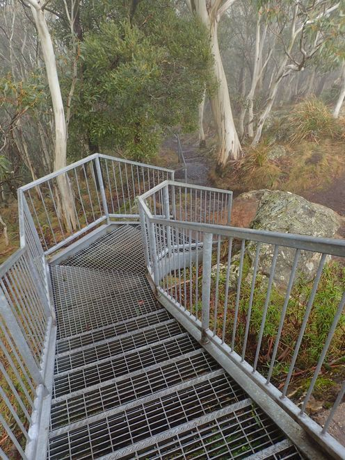 mount macedon, camels hump, walking, walks, bushwalk
