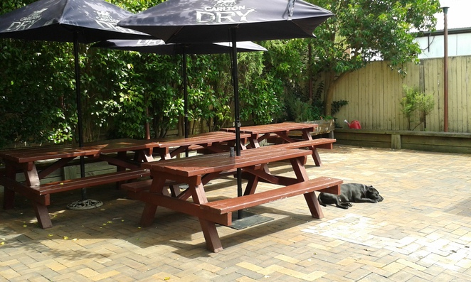old canberra inn, lyneham, canberra, pet friendly, dog friendly, ACT, cafes, pubs,