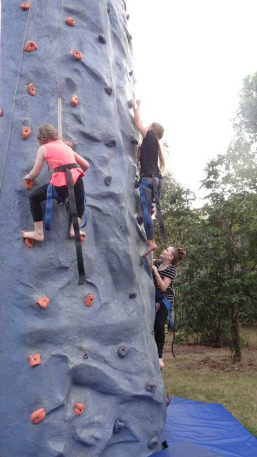 St Mary's Catholic Primary School, rock wall, Darwin