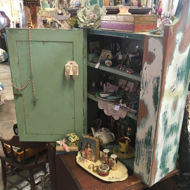The Shabby Chic Vintage Marketplace