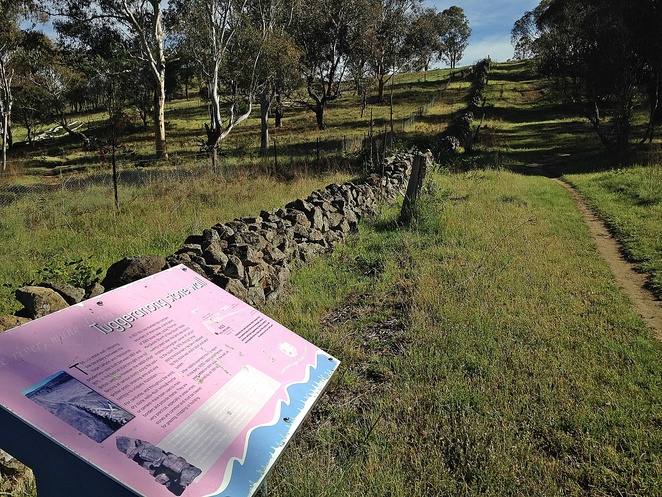 tuggeranong stone wall, tuggeranong boundary wall, murrumbidgee river, canberra, murrumbidgee discovery track, canberra walks, short walks, history, bushwalks, walks along the murrumbidgee river,