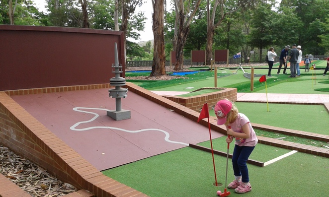 yarralumla play station, canberra, mini golf, miniature train rides, birthday parties kids, weston park, yarralumla,