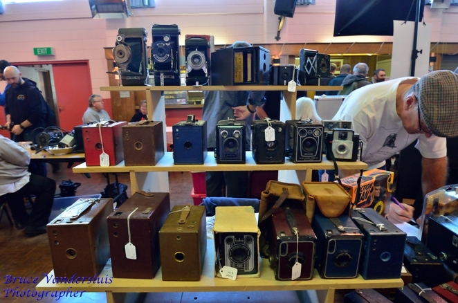 Adelaide photographic market, Adelaide, photography, photographs, photographic, market, cameras, projectors, DSLR, super-8, darkroom, movies, books, bags, refreshment, trash, treasure, stock, secondhand