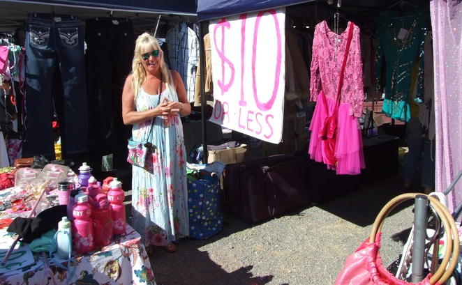 bargains, clothes, jewellery, accessories, markets, stalls