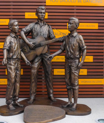 Bee Gees Brothers Statue