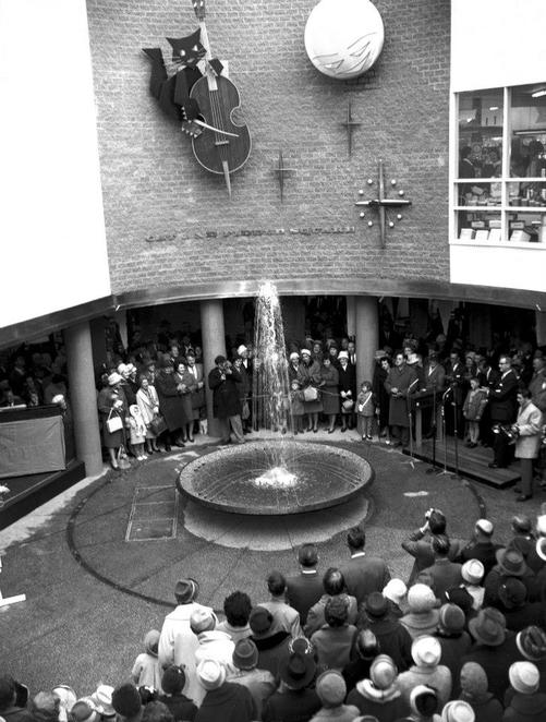 Cat and Fiddle Arcade opening 1962