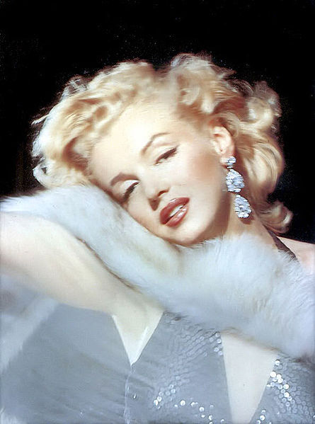 Marilyn Monroe, bold red lips