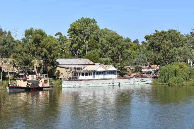 murray river, murray bridge, paddlewheeler, barge