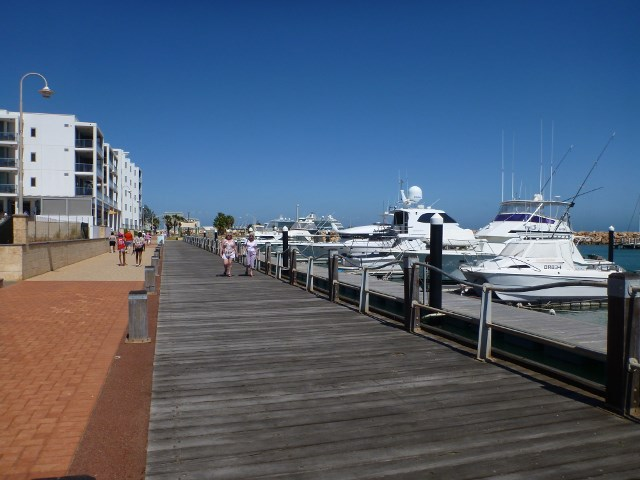 Seaside Boardwalk, Geraldton, Western Australia, cruises, do your own shore excursion.