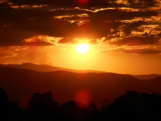 sunset, brindabella mountains, tidbinbilla nature park, canberra, indigenous history, ACT, aboriginal, sun,