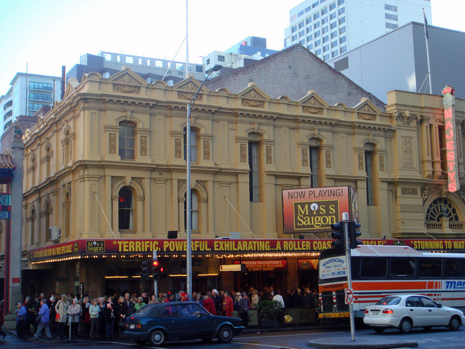 her majesty's theatre melbourne