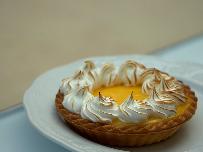 lemon meringue tart bateau bay