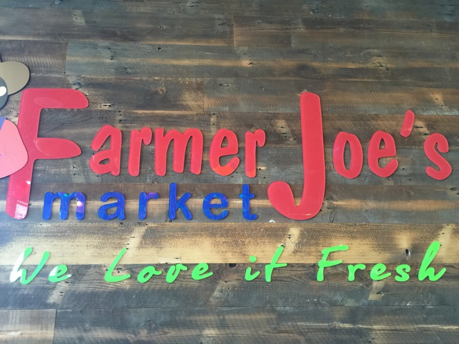 Market, fresh fruit and vegs, food samples, cheap food, cheap eats, deli, cheap meat, organic fruit and vegetables, market prices,