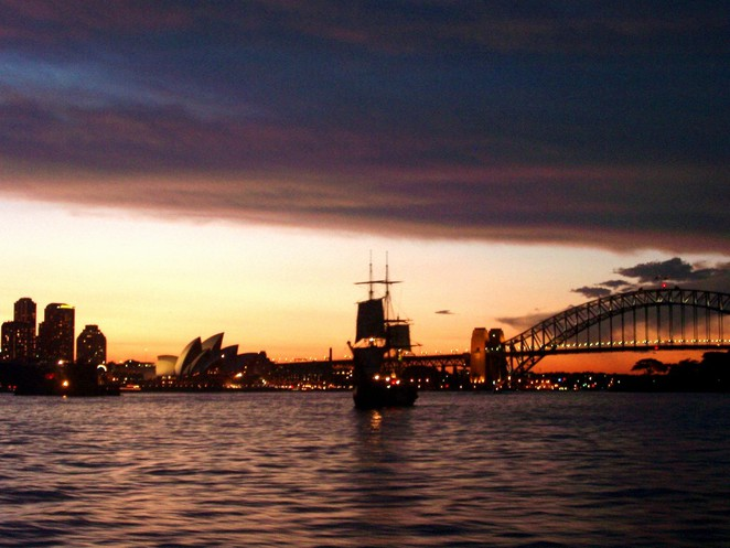 Cruise around the Sydney Harbour this Mother's Day with your mum