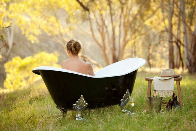 outdoor bush bath in Kingsford Homestead