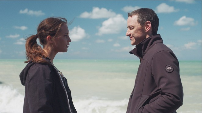 Submergence, Submergence film, Submergence movie, Submergence film review, Submergence movie review, James McAvoy, Alicia Vikander, New releases, Wim Wenders