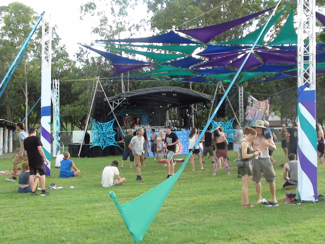 Gathering Feel Good Festival, Gold Coast, Australia Day 2017, music festival, Body, Mind and Spirit Tipi Village, happy African art, Country Paradise Parklands Nerang, Peter Sheill, Dick Trevor (UK), Ranji (Israel), Tristan (UK), The Upbeats (NZ), Dusty Kid (Italy), Perfect Stranger (US), Killerwatts (UK), Gaudi (UK), Avalon (UK), Freedom Fighters (Israel), D-Nox & Beckers (Germany)