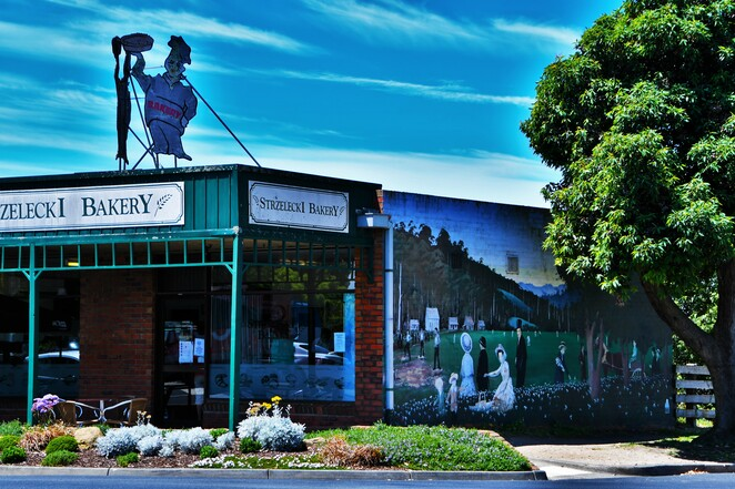 Mirboo North,Weekend getaway,Visit Gippsland,Visit Prom Country,Visit Victoria,Things to do in Mirboo North,South Gippsland Getaways,Escape Melbourne,Holiday in Victoria,Gippsland holidays,Cafe Escargot,Grand Ridge Brewery,Lamezleighs,coffee culture,mural town,