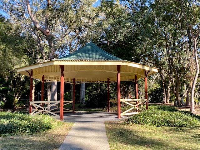 One of the larger shelters available for visitors to Cascade Gardens