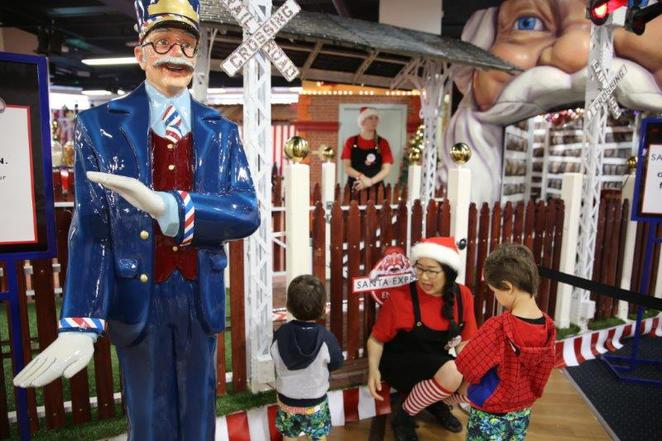 CHristmas in the city, free christmas things to do in sydney, free and cheap things with kids, Christmas in Sydney, santland, myer xmas, fun for kids for christmas