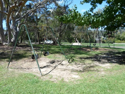 leonora close park hornsby heights swings