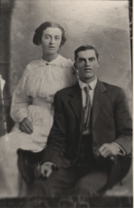 Les Alexander with his sister Margaret Bunting in 1917