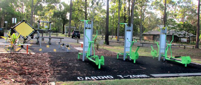 middle park, middle rd, boronia heights, dog friendly, off-leash, playground, bbq, exercise equipment, fitness, cross trainer