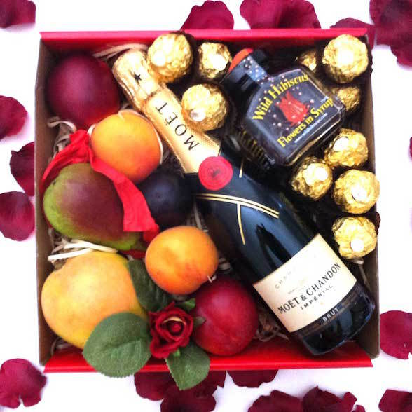 Melbourne christmas hampers fruit basket fruit hampers free make your christmas a stress free occasion this year and let igiftfruithampers create memorable gifts for your friends family and colleagues this festive negle Choice Image