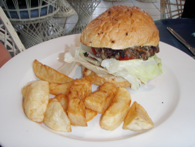 rising sun palm cove burger