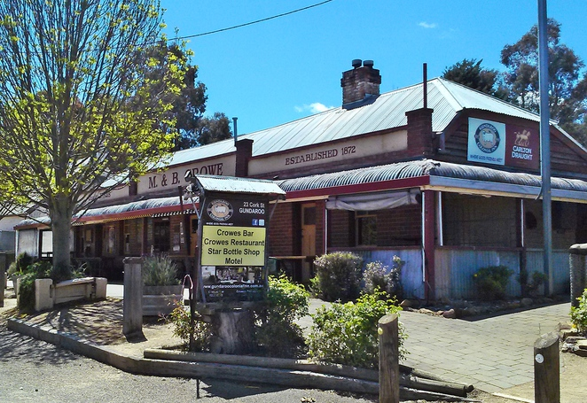The Local Pub - Gundaroo Colonial Inn and Crowes Restaurant, gundaroo, pub, road trips from canberra, ACT, NSW< murrumbateman,