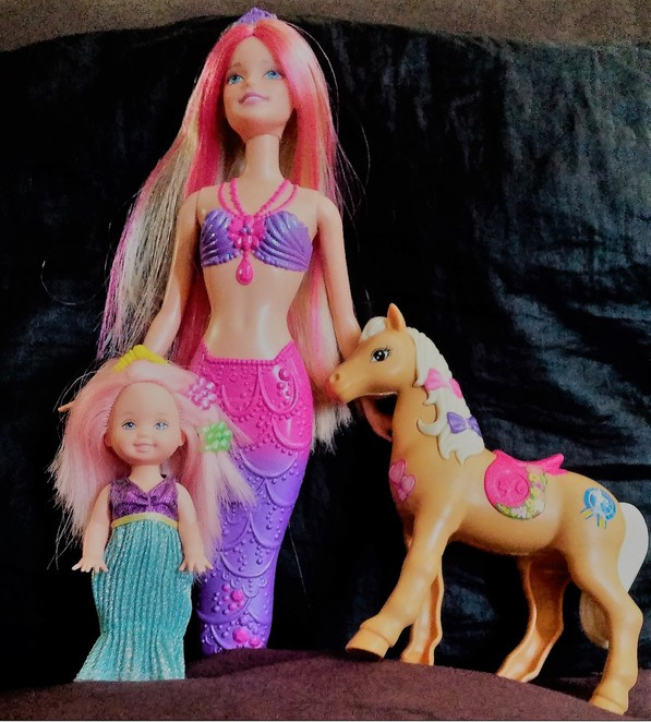Barbie, Horse, Pony, Life in the Dreamhouse, Kelly, Sisters, Puppy, Mermaid, Puppy Chase, Barbie and her sisters in a puppy chase, doll, dolls, movie, Barbie movie