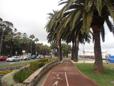 The bike path which follows Perth Esplanade
