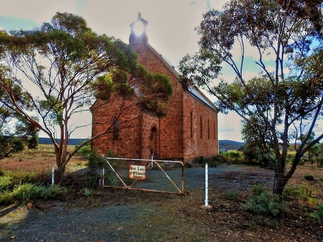 Dawson, flinders ranges, south australia, farmers, ghost town, abandoned, mid north, derelict, dawson hotel, catholic church