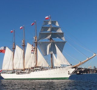 Esmeralda tall ship, things to do in november, tall ships sydney harbour, James Craig tall ship, James Craig Sydney, sail sydney harbour, breakfast cruises, cruise sydney harbour, chilean tall ship sails into sydney