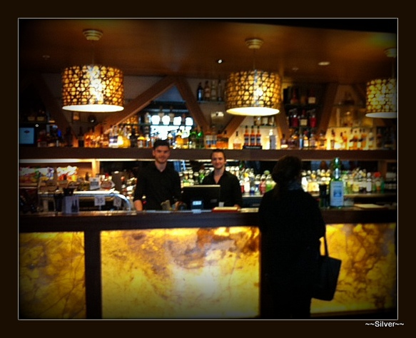 Mail Exchange Hotel, bar staff, bar