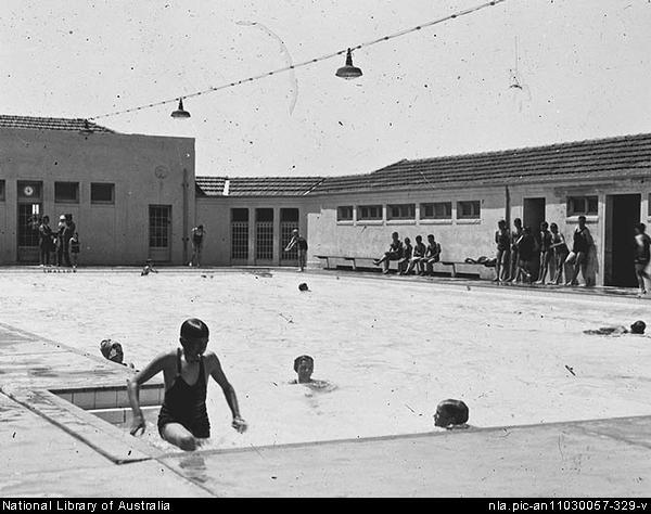 manuka pool, manuka, griffith, canberra, swimming pools, first pool in canberra, ACT, swimming, toddler pools, playground,