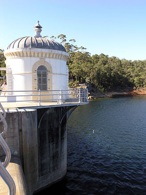 Mundaring Weir. Image from Wikimedia Commons (by SeanMack).