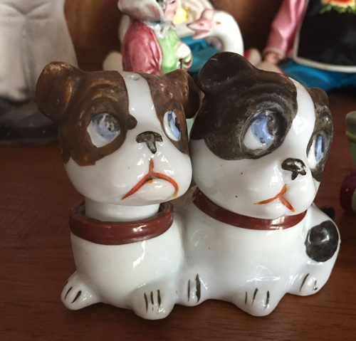 one piece dog salt and pepper shakers