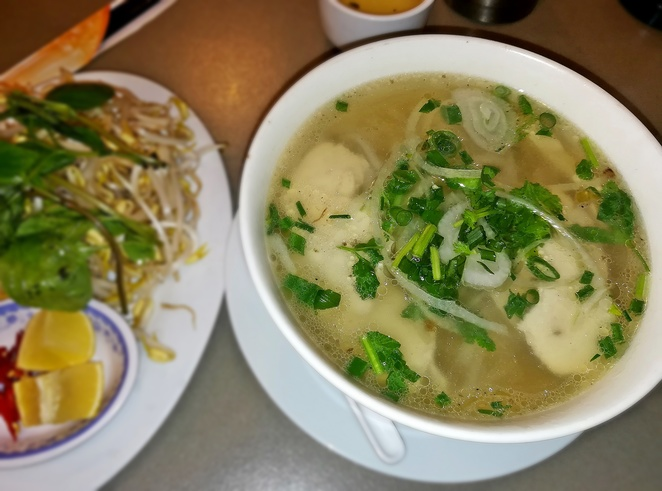 pho, beef, chicken, vietnam house, woden, westfield shopping centre, canberra, best pho, traditional pho, lunch, dinner, takeaway, restaurant, corrina street,