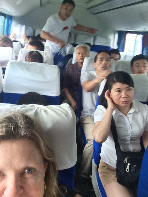 The 877 bus to Badeling takes an hour