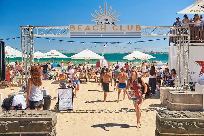 the exchange beach club 2020, pop up beach club 2020, community event, fun th ings to do, the exchange hotel, live entertainment, beach volleyball, food and beverages, vip cabana, dog friendly, entertainment