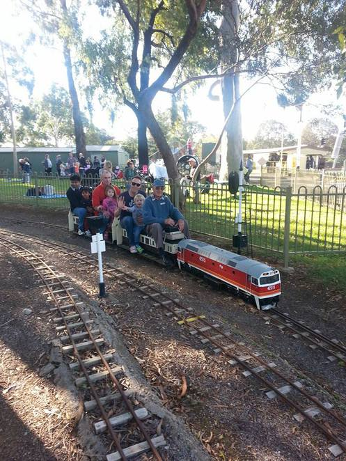 Trains, Family, Outdoors, Fun
