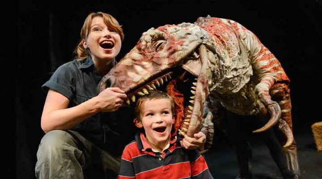 walking with dinosaurs, walking with dinosaurs brisbane, dinosaurs brisbane, where to see dinosaurs in brisbane, dinosaur experiences brisbane, dinosaur discovery, erths dinosaur zoo